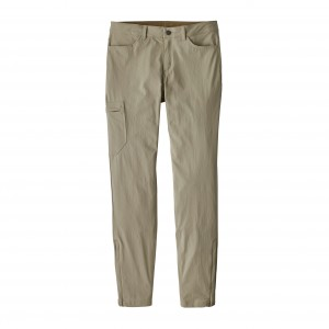 Pantaloni Femei Hiking Patagonia Skyline Traveler - Short Bej