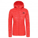 Geaca Drumetie Femei The North Face Thermoball Eco Hoodie Fiery Red (Rosu)